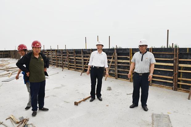 学院开放性公共技能实训基地项目主体结构封顶