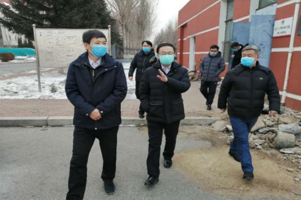 市领导冯智到学院视察疫情防控工作